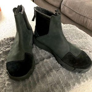 Icebug Black Suede Leather Walking Ankle Boots: 7